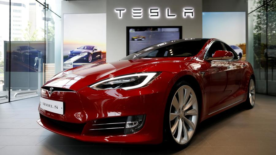 Tesla Model S Outsells Bmw And Mercedes Luxury Cars Democratic